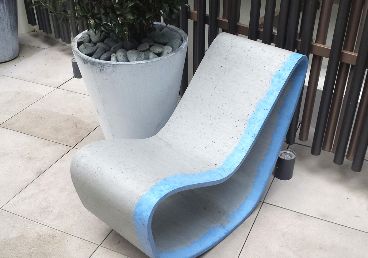 chaise exterieur en béton