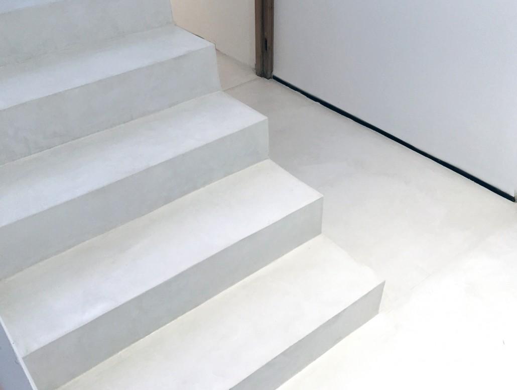 3DCO - escalier en béton ciré taloché blanc